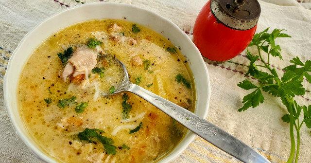 Икономична пилешка супа