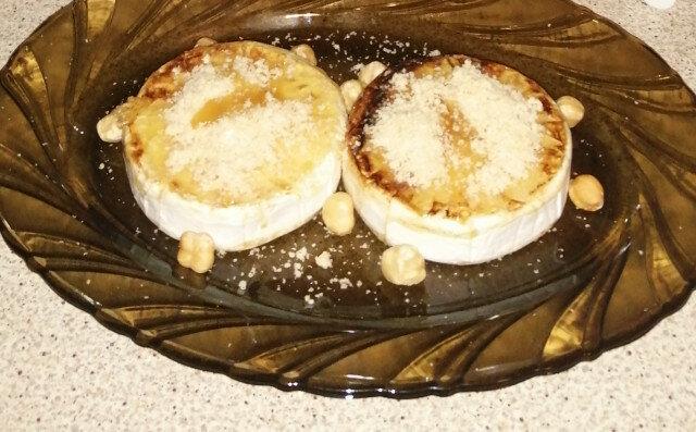 Запечен Камамбер със сладко